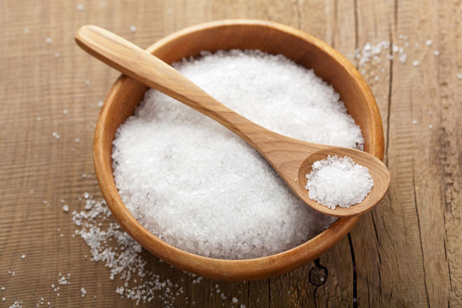 полоскать горло солью