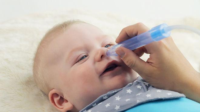 Промывание носа малышу