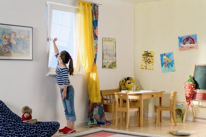 Проветривать комнату ребенка