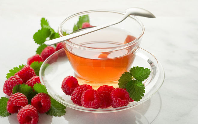 Травяной чай с малиной