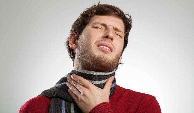 В горле боль