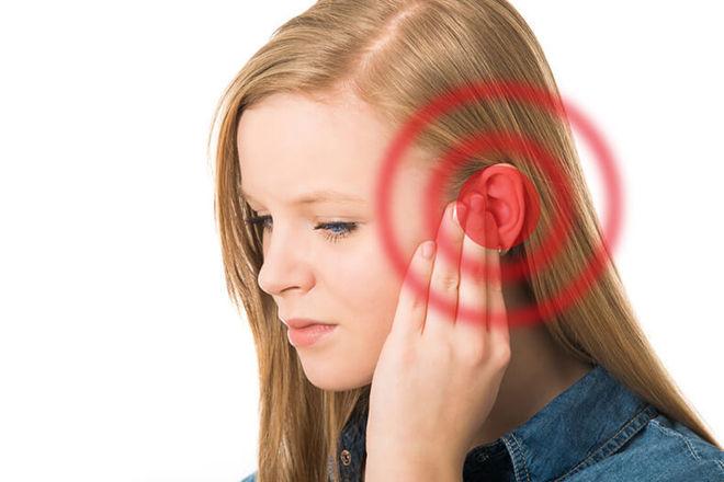боль в области ушей