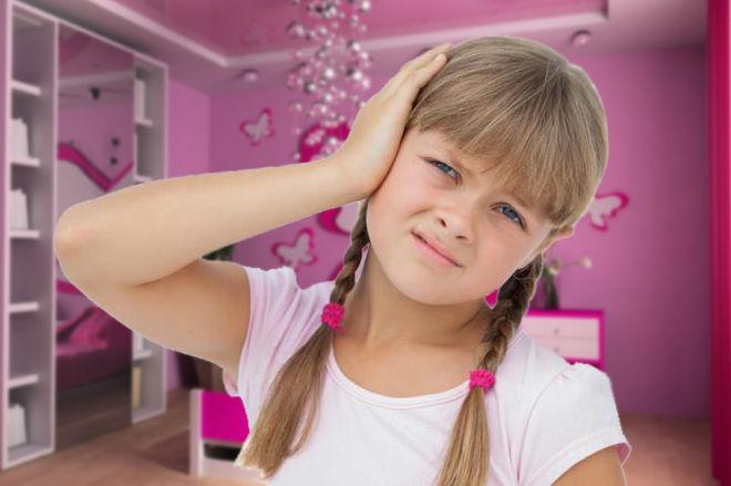 Уши болят у девочки