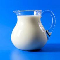 Рецепты: молоко, минералка, овёс от кашля