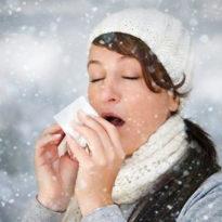 Почему человек чихает при простудных заболеваниях?