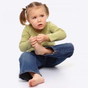 Осложнения после ОРВИ у детей: что делать если болят ноги после гриппа