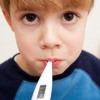 У ребенка поднялась температура без насморка и кашля: возможные причины