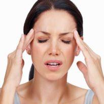 Болит голова при гайморите: чем лечить и как отличить от мигрени