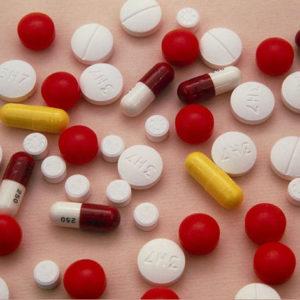 Антибиотики от насморка: список капель и спреев против ринита у взрослых