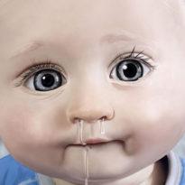 У ребенка текут сопли ручьем: чем лечить жидкие сопли у детей