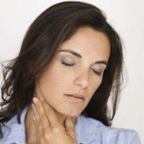 Болит горло при глотании с одной стороны: больно с правой или левой стороны