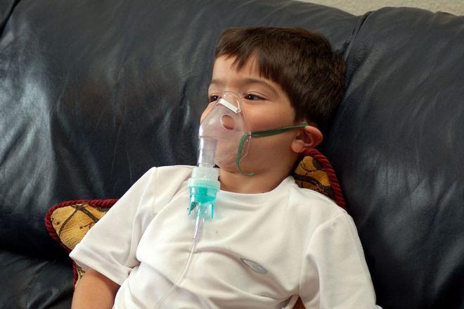 Как можно остановить сухой кашель у ребенка ночью: причины, лечение