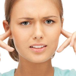 Что делать, если заложило уши при простуде: лечение народными средствами и медикаментами
